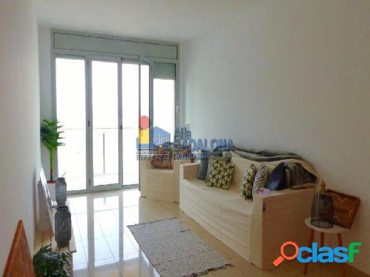 Piso de 104 m² construidos de 2 Habitaciones, Parquing y