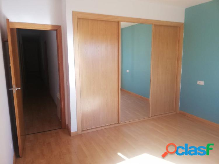 Piso de 6 habitaciones reformado en el centro de Zamora