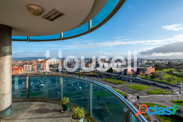 Piso en venta de 117 m² en Avenida Juan Carlos I, 33212