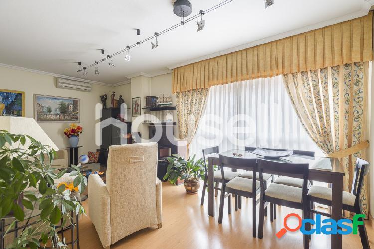 Piso en venta de 137m² en Calle Mastelero, 28033 Madrid