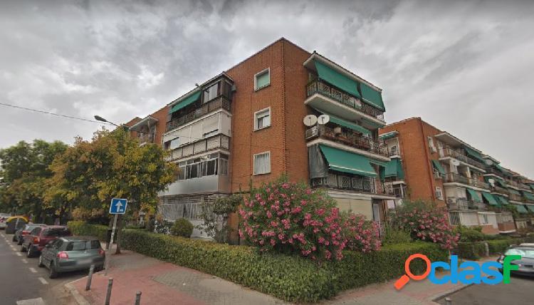 Piso en venta en Calle Condesa de Teba, de 79m2 junto al