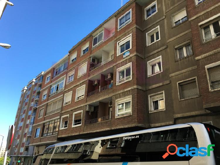 Piso en venta en Delicias junto Av Navarra