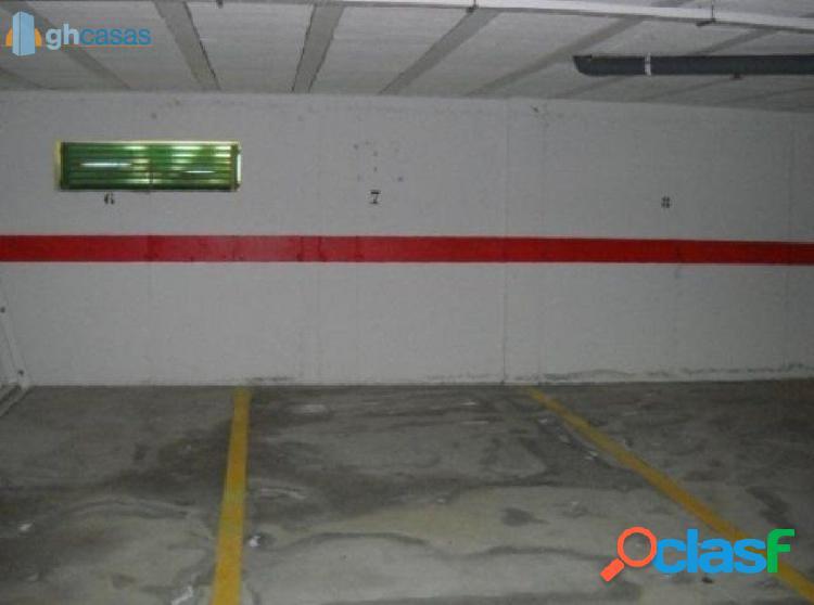 Plaza de Parking en Urbanización mimosas golf, cabopino,