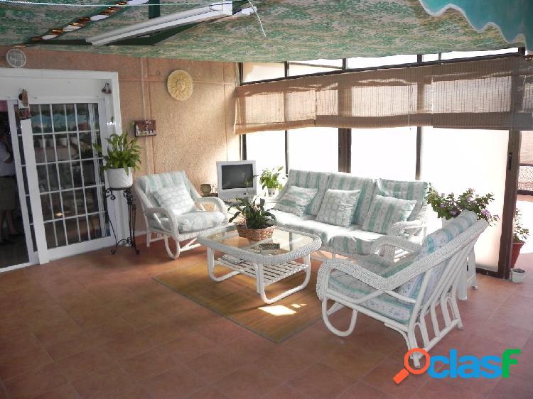 Precioso atico de dos dormitorios con enorme terraza tipo