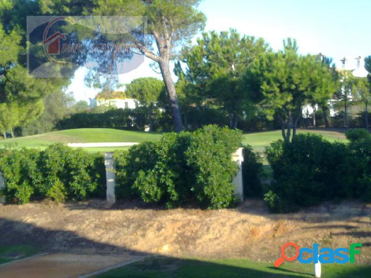 Se vende estupendo adosado en campo de Golf en Nuevo Portil,