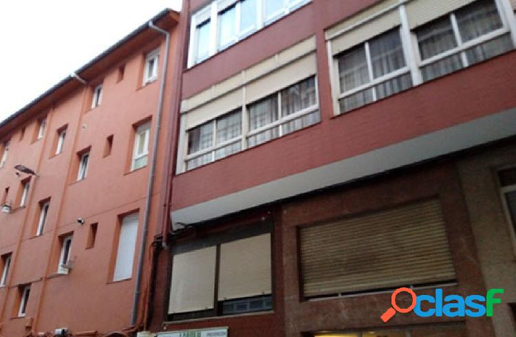 Se vende local en el centro de Santander
