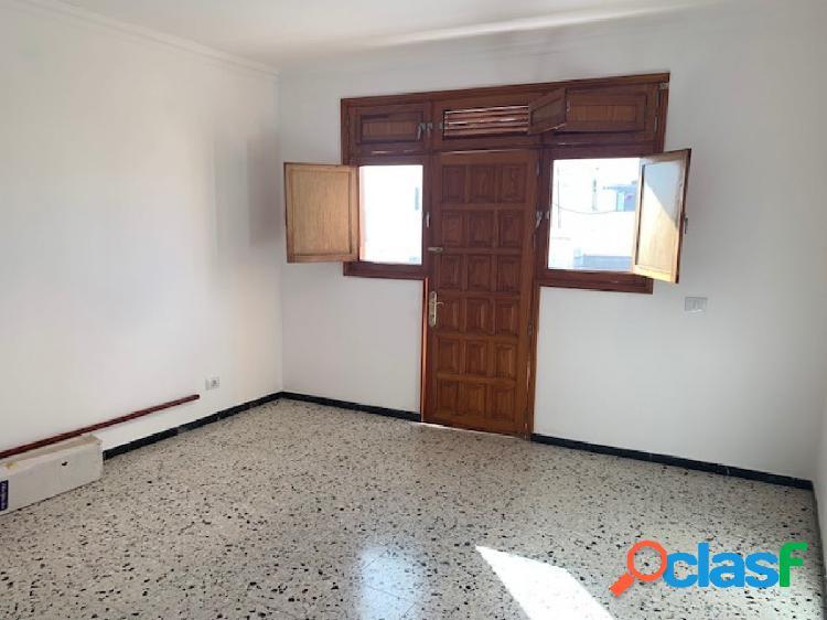 Se vende piso de casa terrera en Marpequeña, Telde