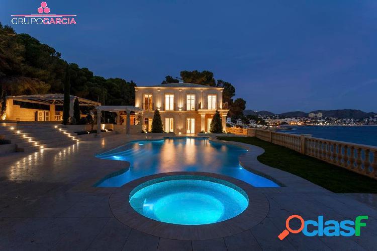 Se vende villa de lujo en primera línea en Moraira GV5072A