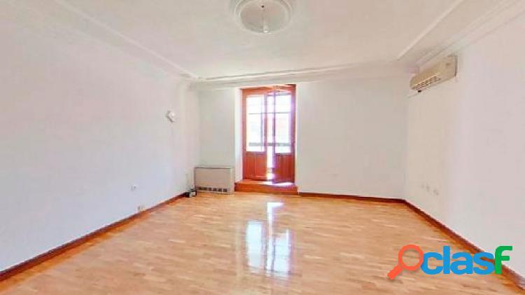Urbis te ofrece un magnífico piso en venta en pleno centro
