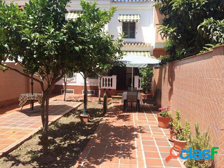 Venta Chalet independiente - Avda. Villa de Madrid,