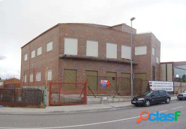 Venta Edificio - Navas del Rey, Madrid [195254/1L11798]