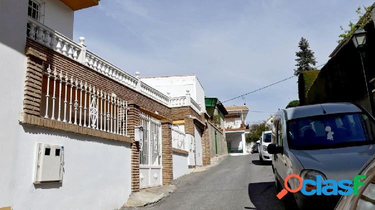 Venta de casa en Cájar (Granada)