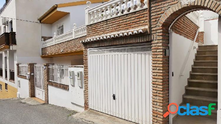 Venta de ático en Cájar (Granada)