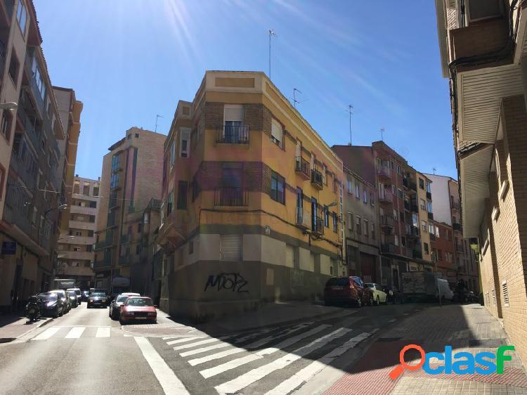 Vivienda en venta en Delicias en Calle Antonio Fleta.