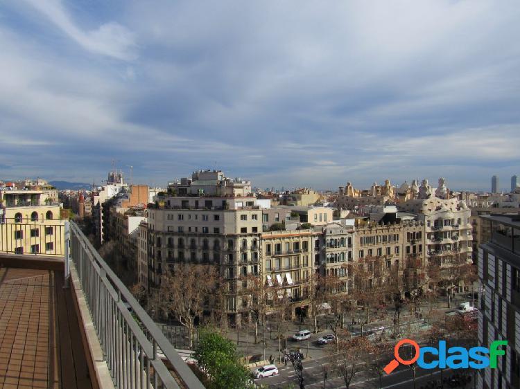 con vistas sobre el Passeig de Gràcia