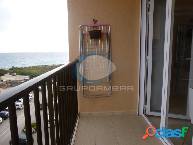 piso de dos habitaciones con vistas al mar