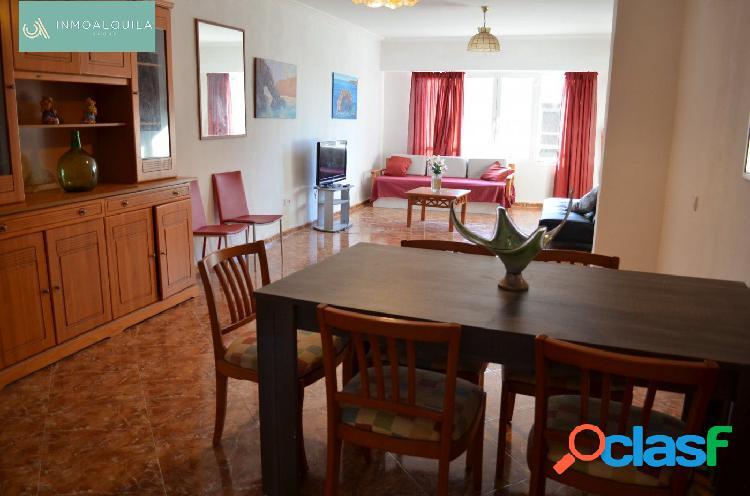 Amplio apartamento en Platges de Muro. 3hab, 2baños. 100m2.