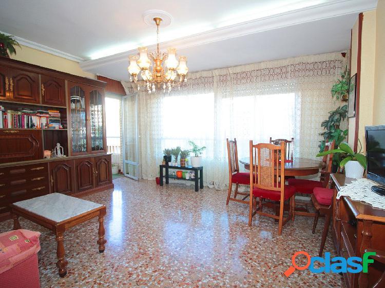 Amplio apartamento en Playa del Cura de Torrevieja