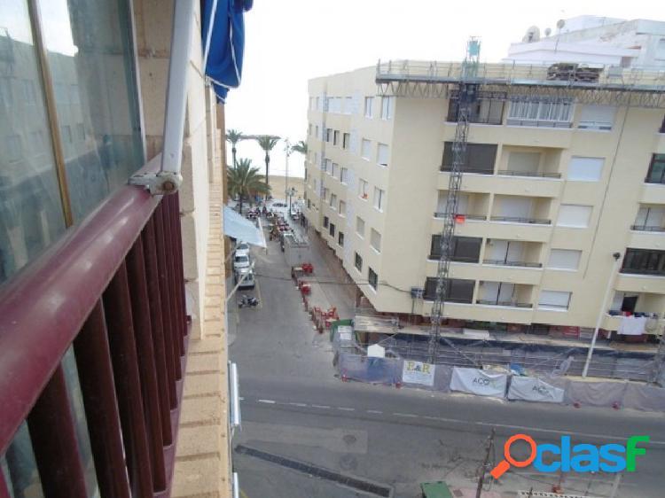 Apartamento con vistas al mar en la Playa del Cura,