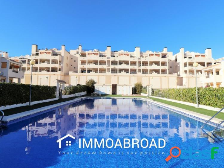 Apartamento en venta en Los Montesinos con 2 dormitorios y 2