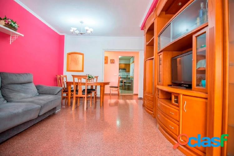 Bonito piso bien conservado, listo para entrar a vivir