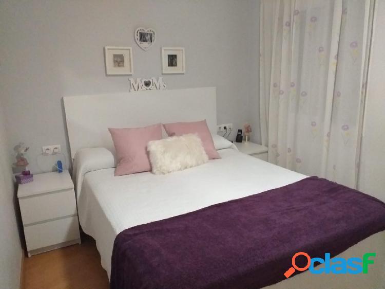 Bonito piso totalmente reformado de tres dormitorios en muy