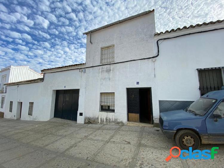 Casa de 2 plantas en Cabeza La Vaca
