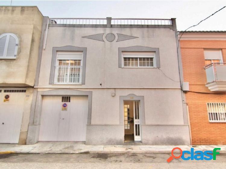 Casa totalmente reformada en Bda. de Llera