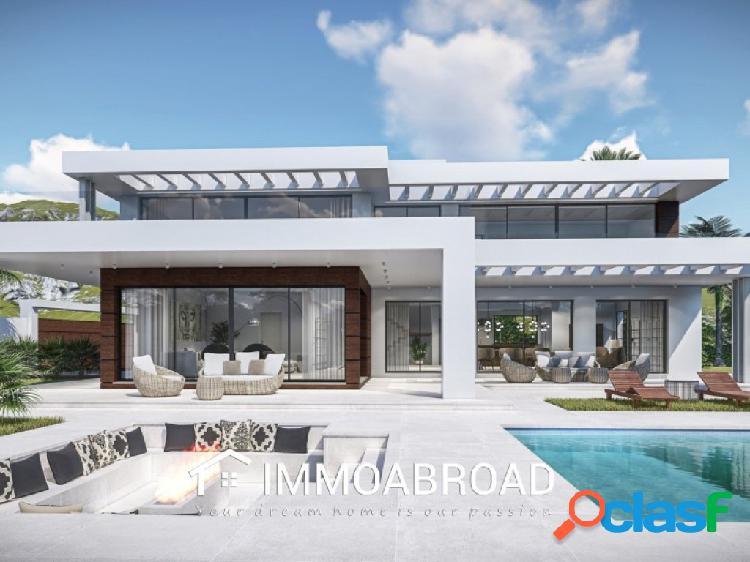 Chalet en venta en Marbella con 5 dormitorios y 5 baños