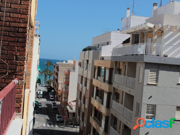 Grande y luminoso apartamento con vistas al mar en Playa del