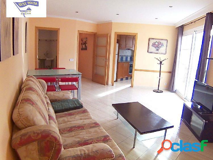 Piso de 3 habitaciones con balcón de 7m2