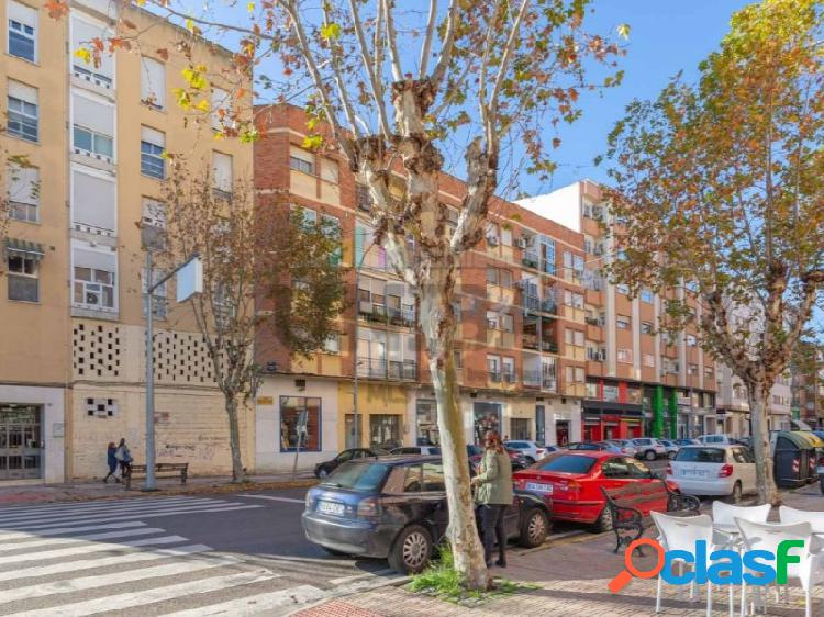 Piso situado en la avenida principal de San Roque