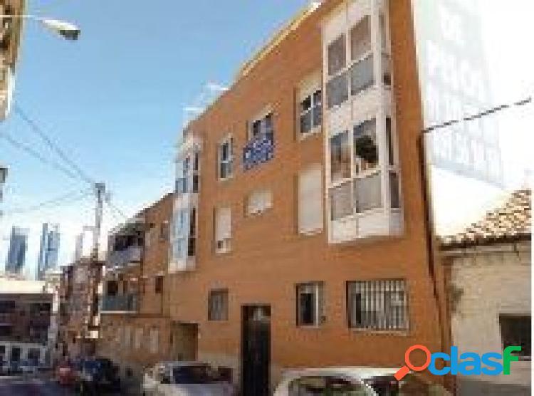 Promoción de pisos y ático en Valdeacederas, Madrid.