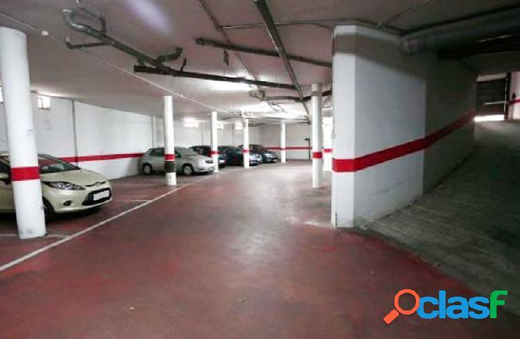 Urbis te ofrece un estupendo garaje en venta en zona San