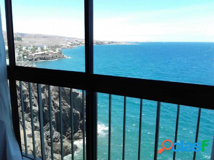 recioso apartamento en San Agustín con vistas al mar.