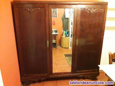 Armario ropero antiguo con espejo y 3 cajones