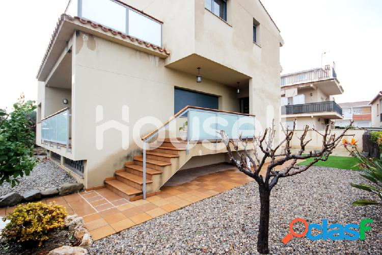 Chalet en venta de 375m² en Calle Joan Maragall, 08292