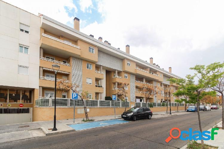 Piso de 166 m2 de 4 dormitorios, 2 baños, terraza y un