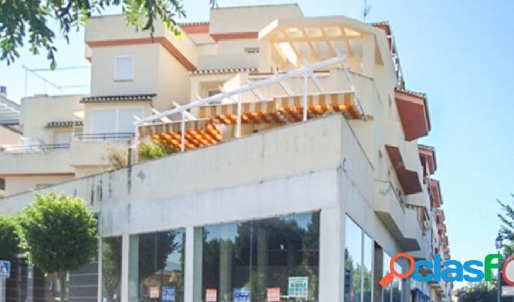 Piso de 2 dormitorios, cerca del centro de salud de Maracena