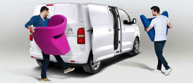 Alquiler de furgoneta o camion
