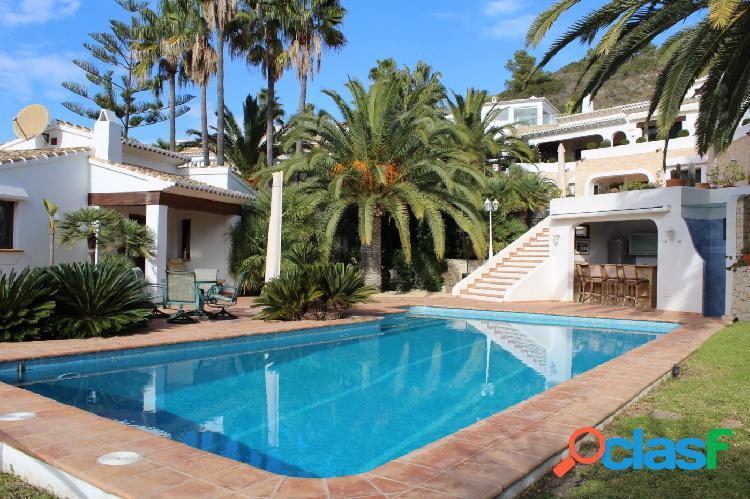 Villa de lujo ibicenca en El Portet Moraira