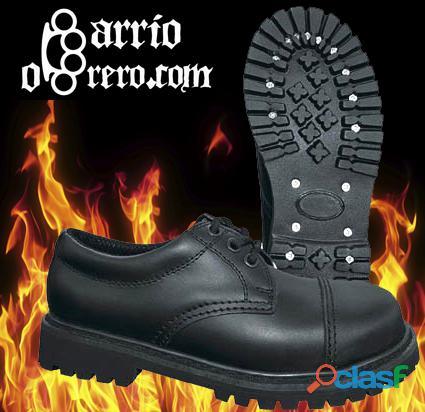 Zapatos de piel con puntera de hierro. Contra reembolso