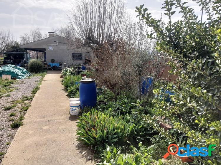 Casa con parcela cultivable a las afueras de Balaguer, a