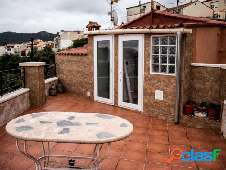 Piso totalmente reformada con terraza y espectaculares