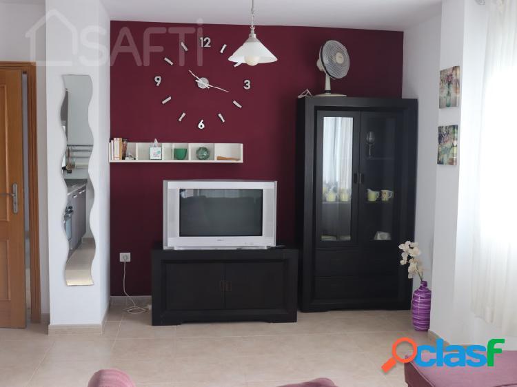 Precioso apartamento con piscina y garaje en 3ª Linea de