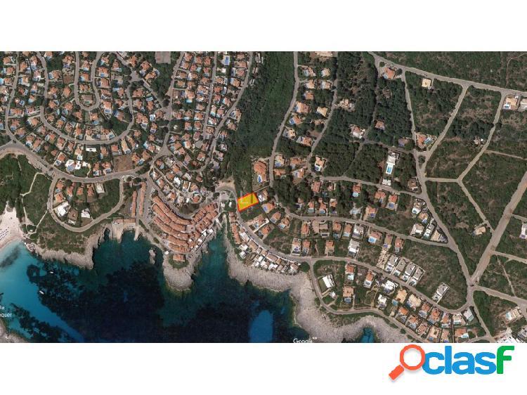Terreno urbano con vistas al mar en venta en S'Atalaia,