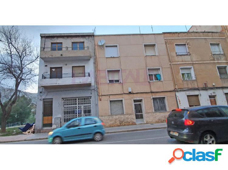 Venta edificio tres plantas. por 80.600 euros.