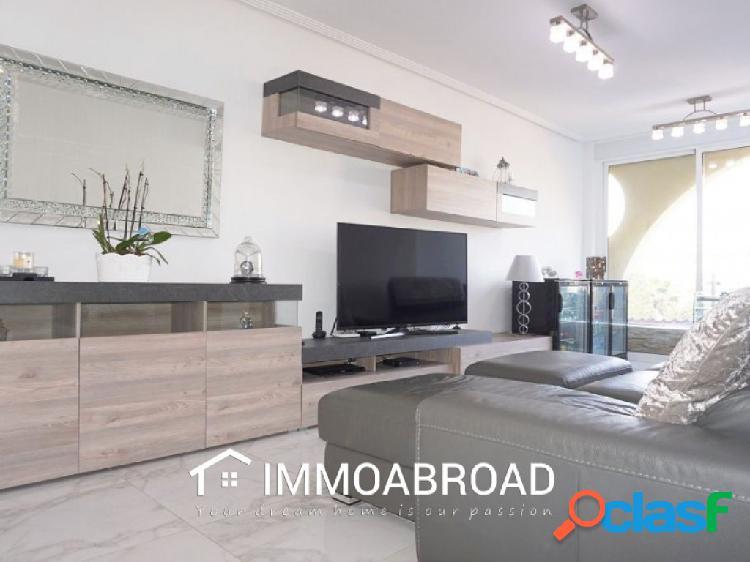 Apartamento en venta en Orihuela con 3 dormitorios y 2
