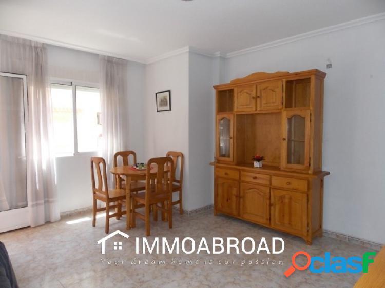 Apartamento en venta en Torrevieja con 1 dormitorios y 1