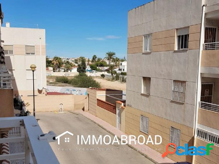 Apartamento en venta en Torrevieja con 2 dormitorios y 1
